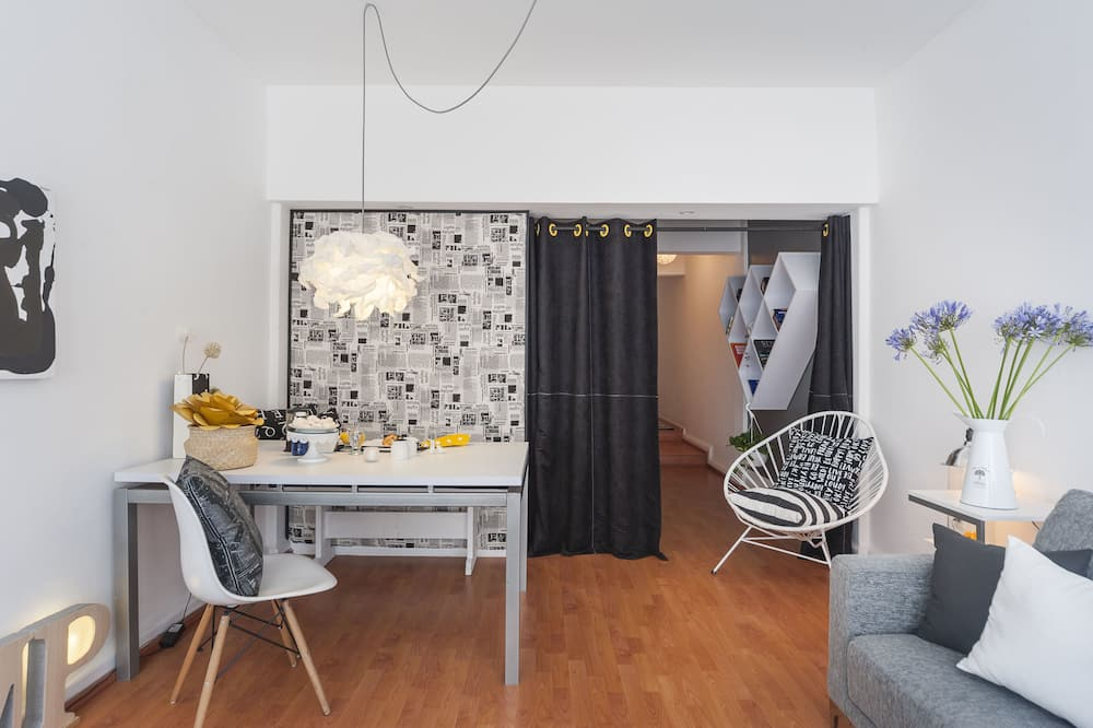 Room, Multiple Beds, Non Smoking - In-Room Dining