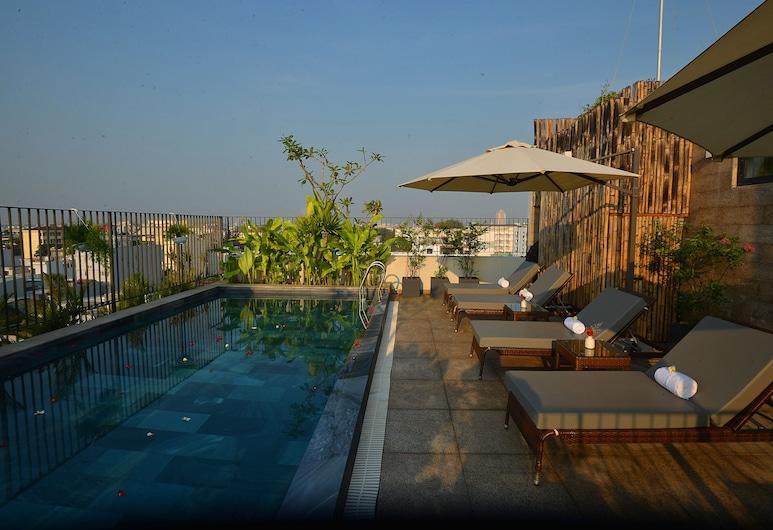 DaNang Moon Villa & Apartment, Da Nang, Piscina con borde infinito