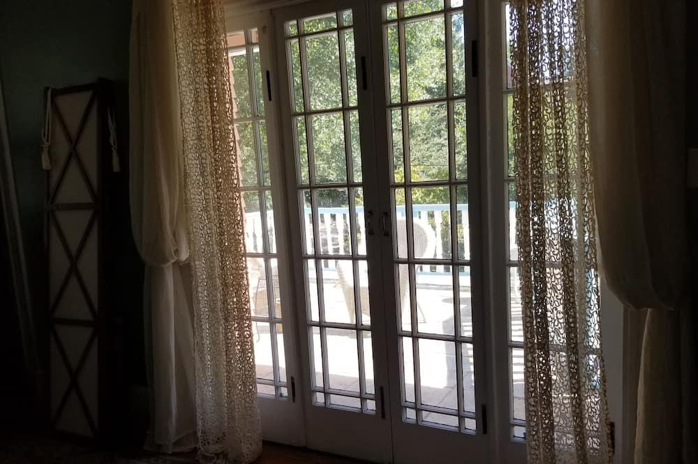Peach Blossom Suite - Balcony