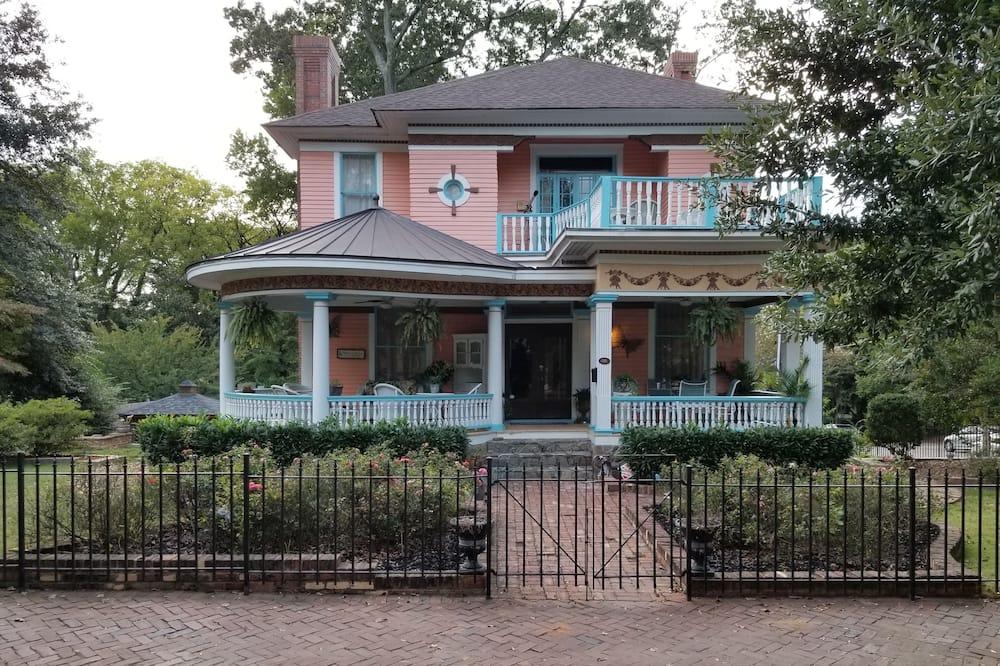 The Peach House