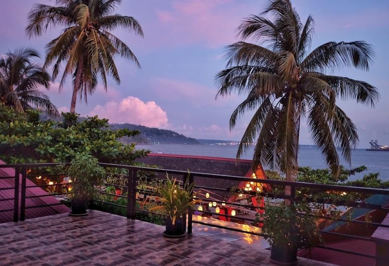 Playa Papagayo Beach Inn & Restaurant, Olongapo, Terassi/patio