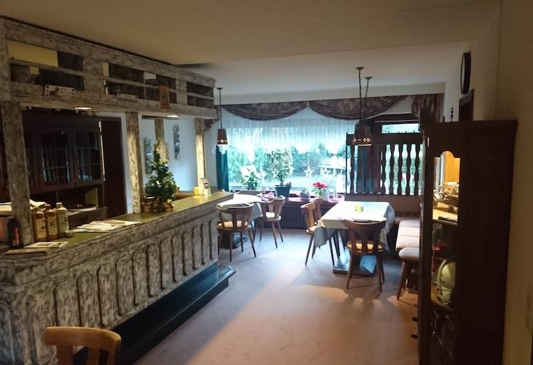 Komforthotel Birkenhof UG, Atzelgift, Bar del hotel