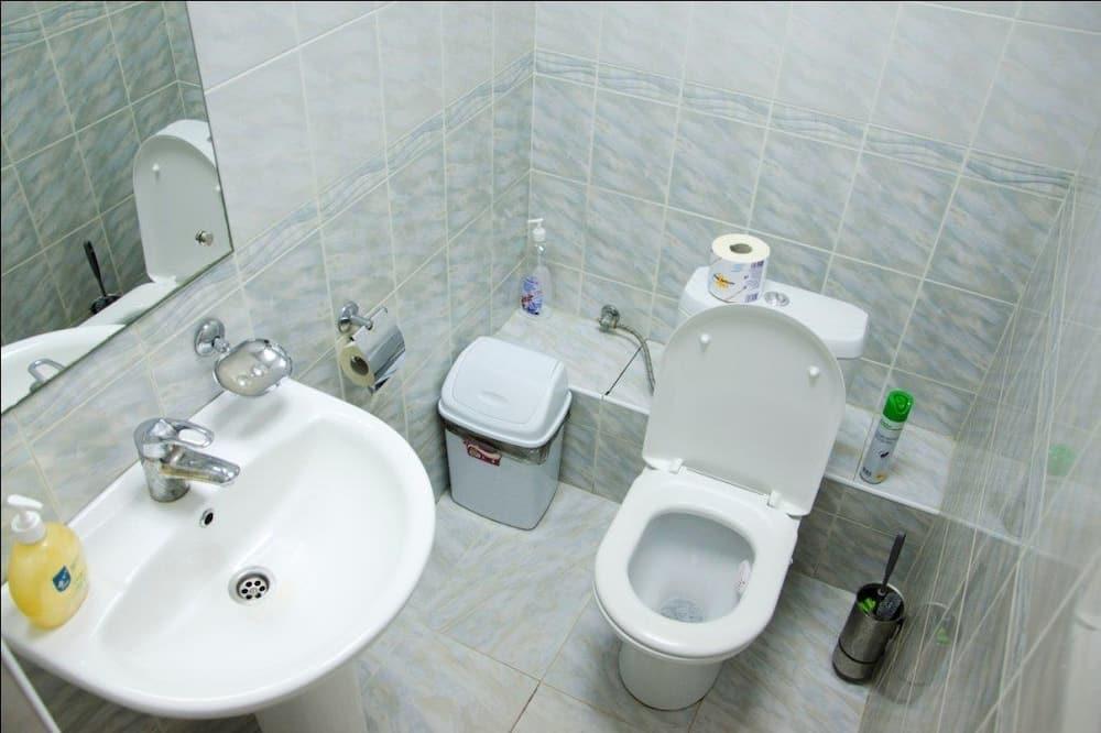 Dormitorio condiviso, per sole donne (6 guests) - Bagno