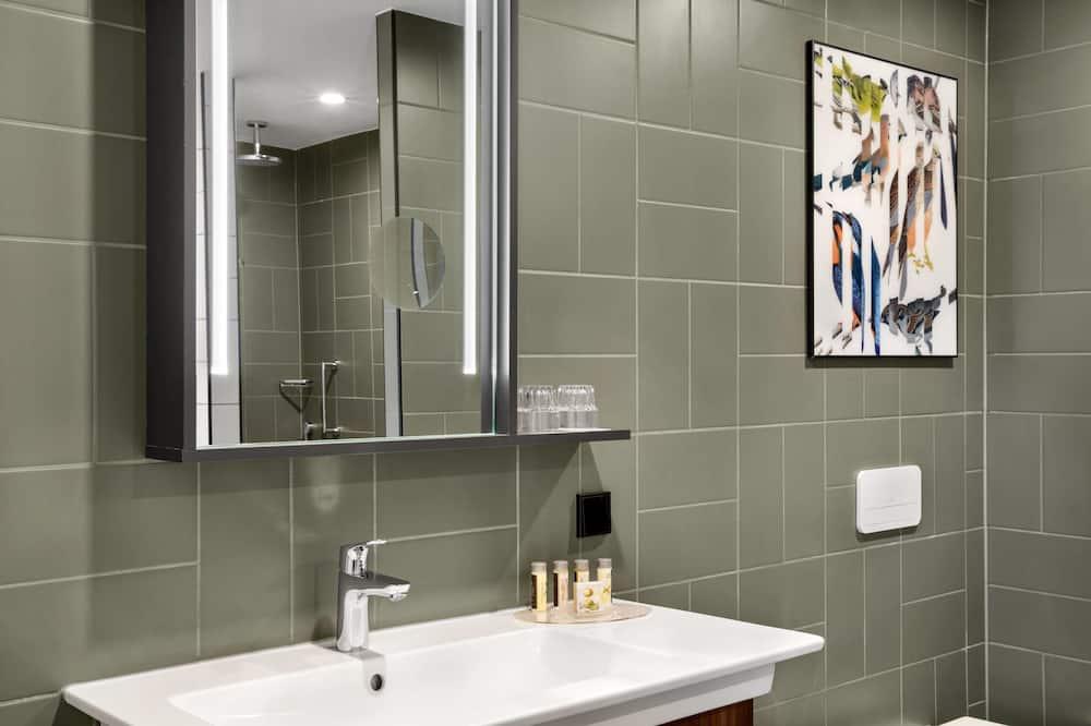 Izba typu Deluxe, 1 extra veľké dvojlôžko, nefajčiarska izba - Kúpeľňa