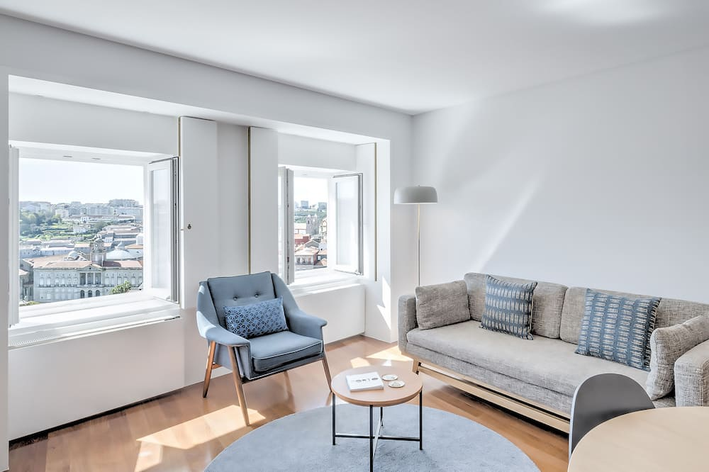 Apartmán typu Deluxe, dvojlůžko (180 cm), výhled na řeku - Obývací pokoj