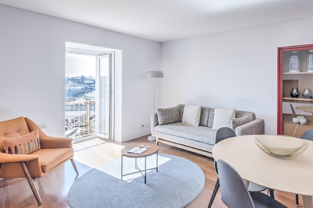 Apartmán typu Premium, dvojlůžko (180 cm), výhled na řeku - Obývací pokoj