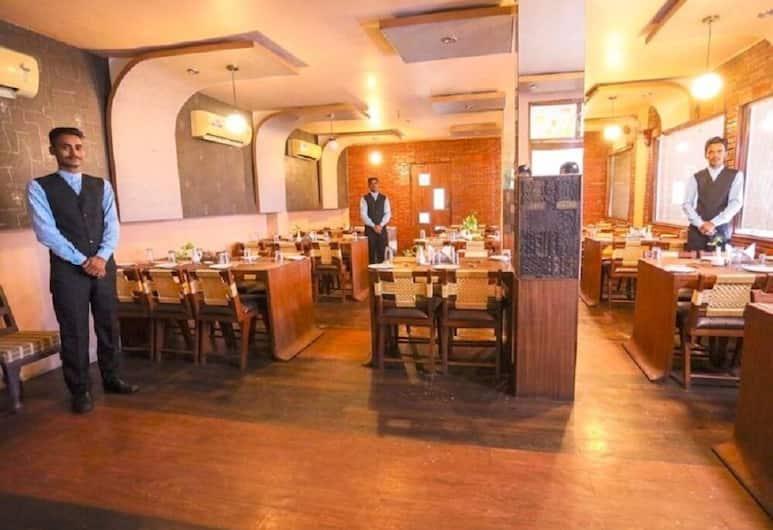 Hotel Vishwanath, Varanasi, Restaurant