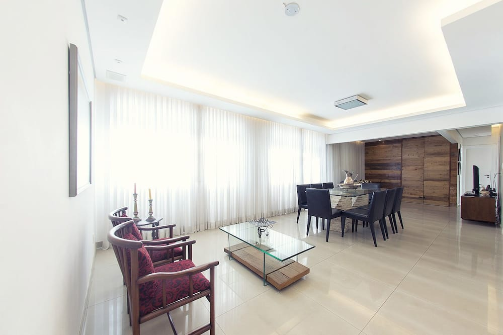 Apartment, 3 Bedrooms, Accessible, Kitchen - In-Room Dining