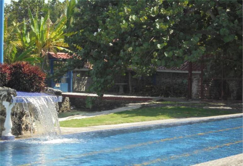 Hotel La Cueva, Limon