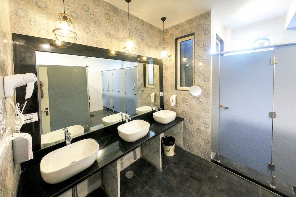 Dormitorio compartido Deluxe - Cuarto de baño