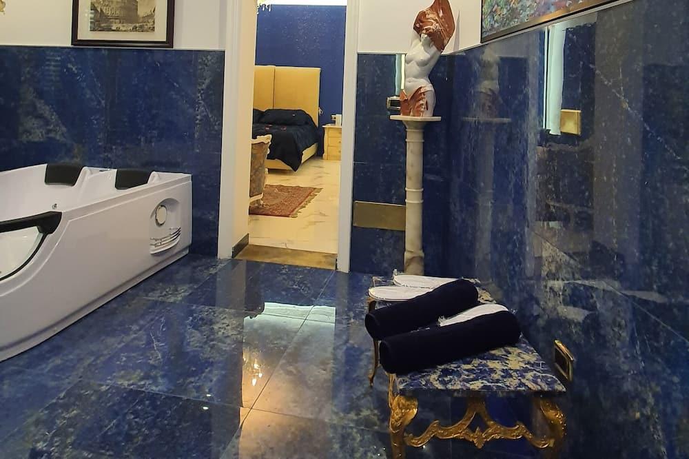 Luxury Studio Suite, Hot Tub - Guest Room