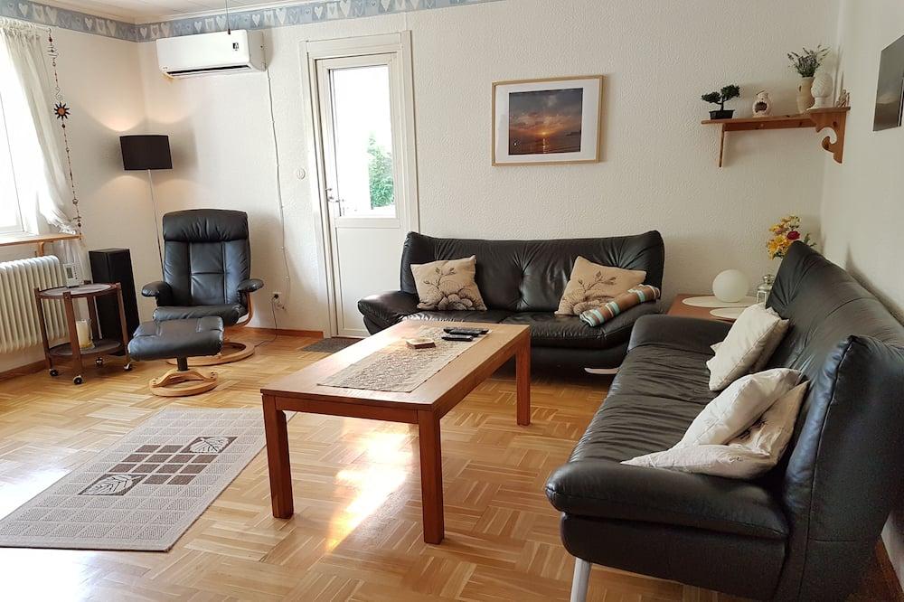 ファミリー ハウス 4 ベッドルーム ガーデンビュー - リビング エリア