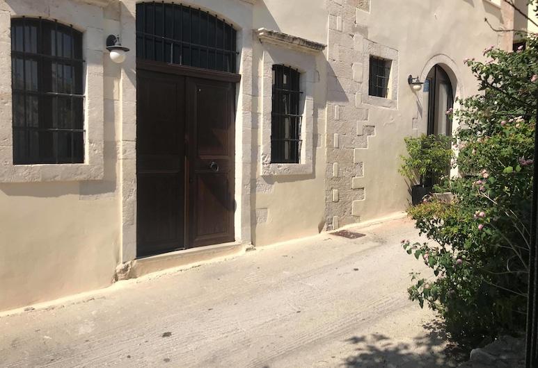 Lithinon Suites & Studios Blue, Chania, Property entrance