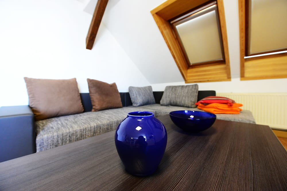 Apartment, 2 Bedrooms (Sonnenblick) - Living Room