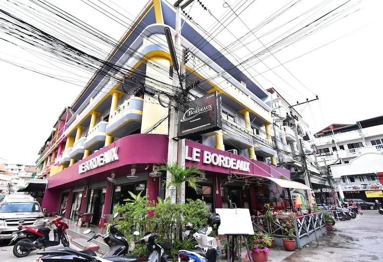 DE Apartment, Pattaya, Exterior