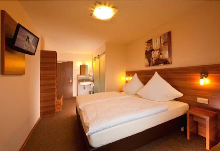 Astay Hotel Greding, Greding, Třílůžkový pokoj, Pokoj