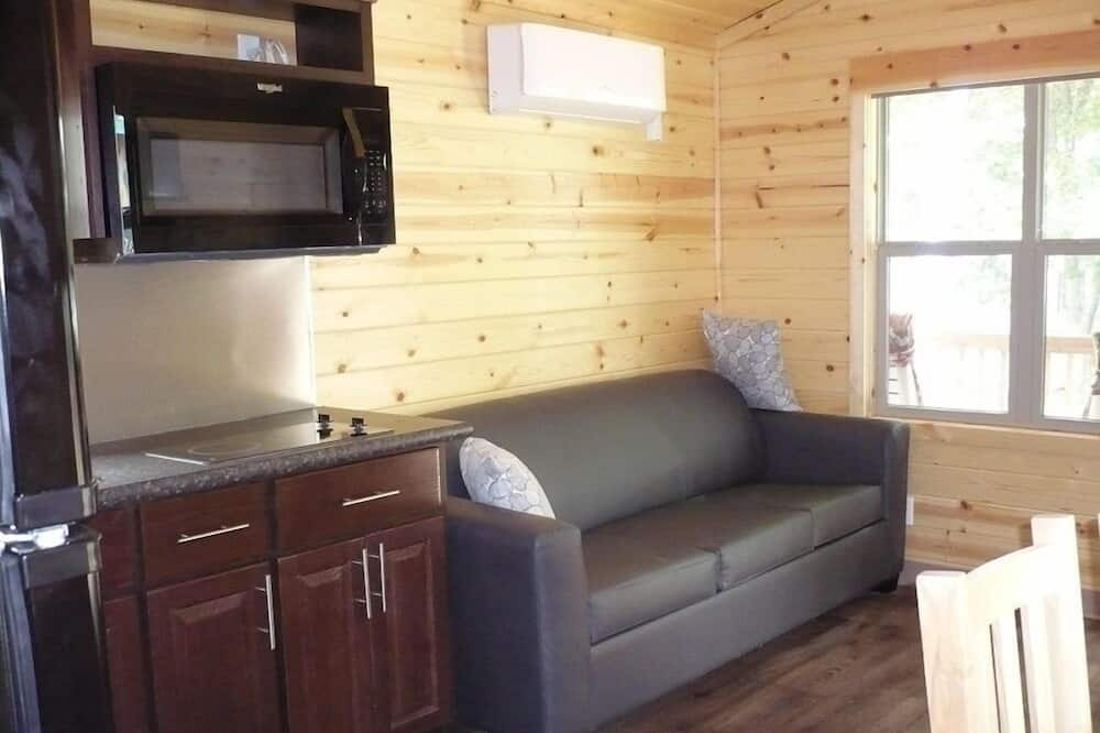 Cottage, 2 Bedrooms, Non Smoking (No Linens Included) - Living Room