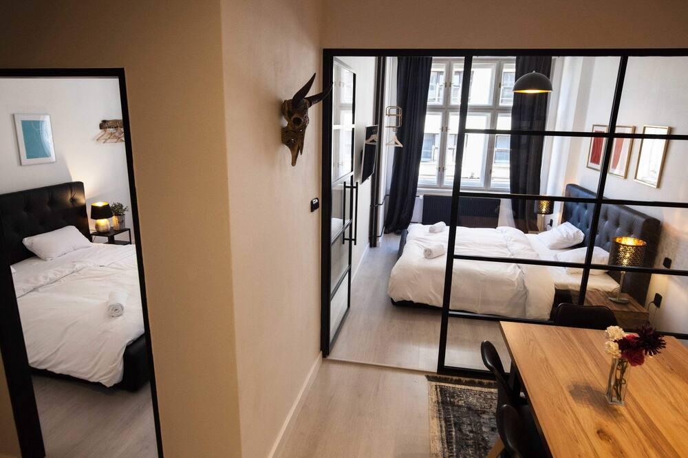 Departamento, Varias camas (Opletalova 8) - Habitación
