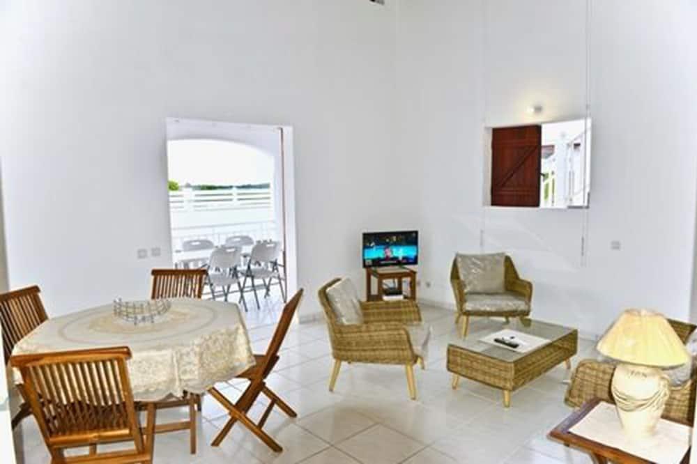 Comfort-villa - 2 queensize-senge - handicapvenligt - ryger - Stue