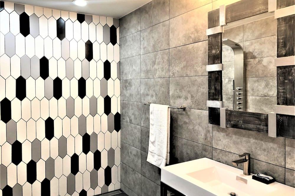 슈피리어 스튜디오 스위트, 금연 - 욕실