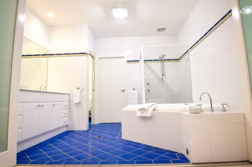 Luxury House, 5 Bedrooms, Beach View - Bilik mandi