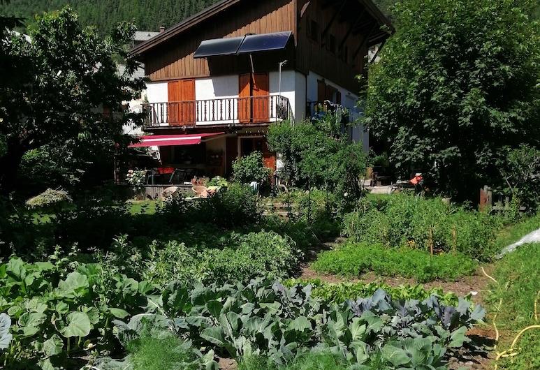 Chambre d'hotes La Mourerous, La Salle-les-Alpes, Garden