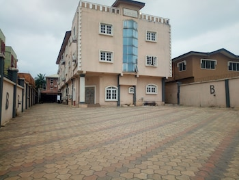 Foto di Bayse One Executive Suites and Bar a Ibadan