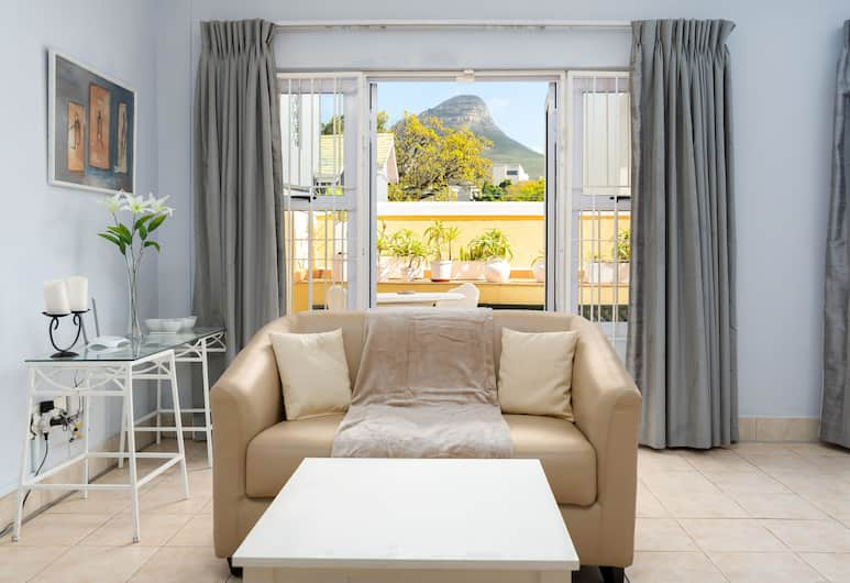 Hiddingh Village 202, Cape Town, Comfort Studio, 2 Twin Beds, Non Smoking, Living Area