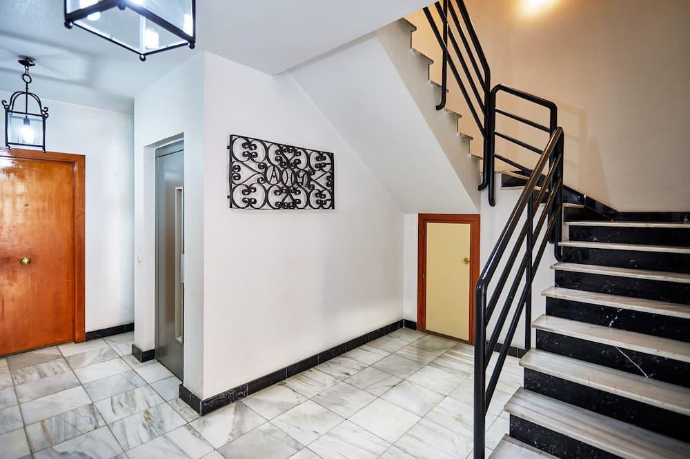 Класичні апартаменти, для некурців - Житлова площа
