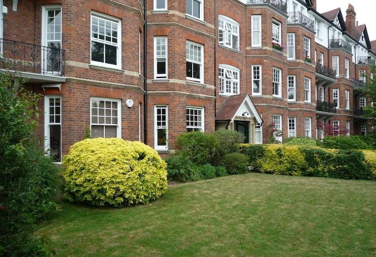 Brookfield Mansions, London, Außenbereich