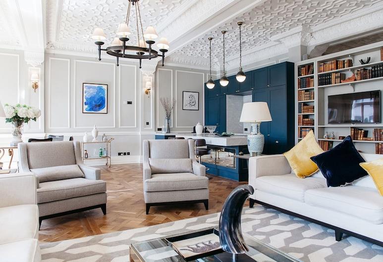 斯特朗德豪華酒店, 倫敦