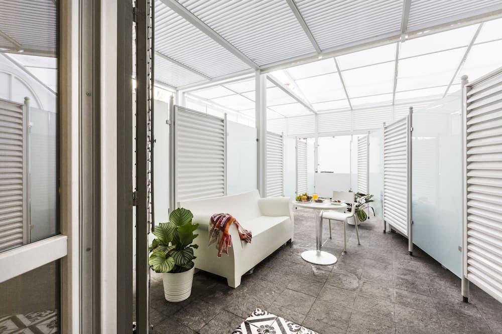 Junior Apartment - Terrace/Patio
