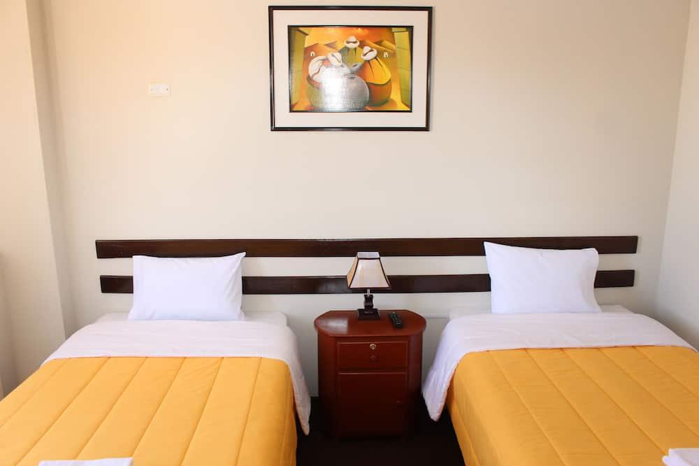 חדר סטנדרט זוגי, 3 חדרי שינה - חדר אורחים