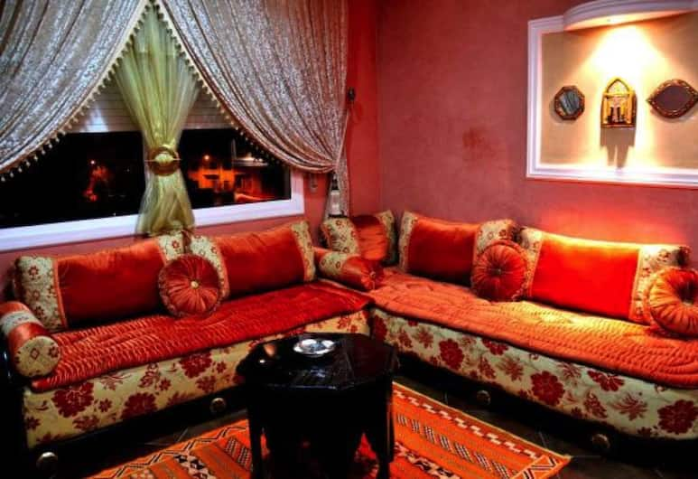 Riad Appart Saad, Fes, City Apartment, Multiple Beds, Non Smoking, Living Area