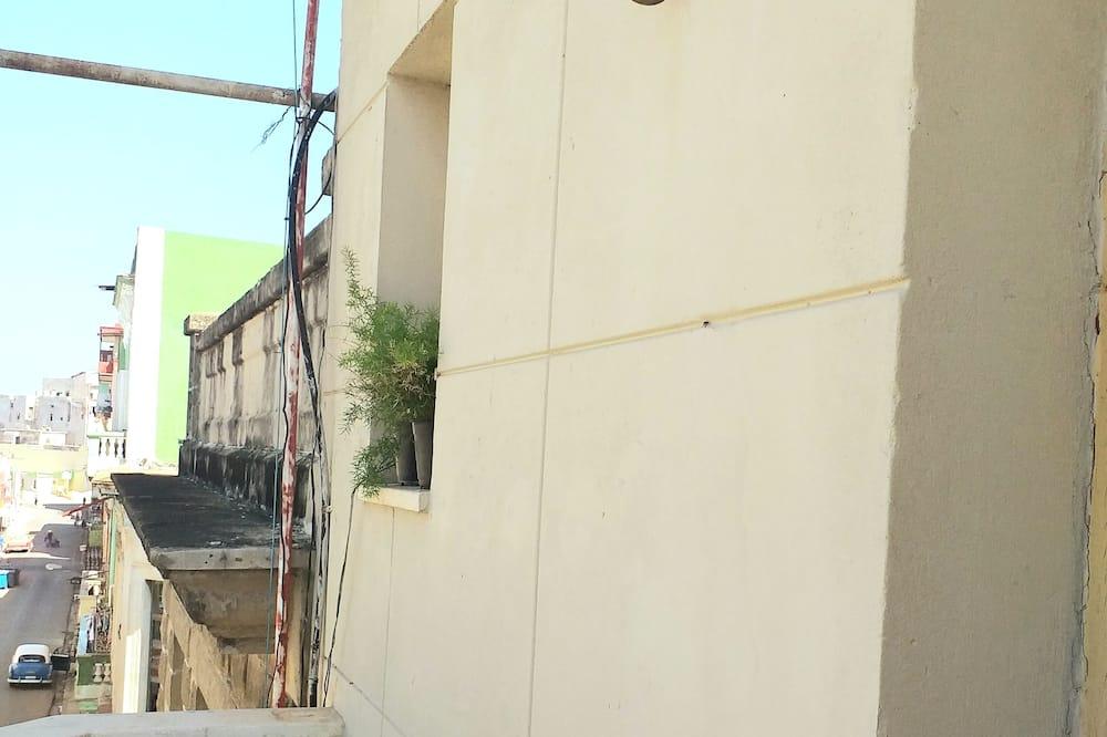 패밀리 아파트, 침실 2개, 시내 전망 - 발코니