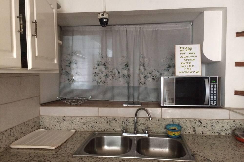 Family Shared Dormitory, Non Smoking - Shared kitchen