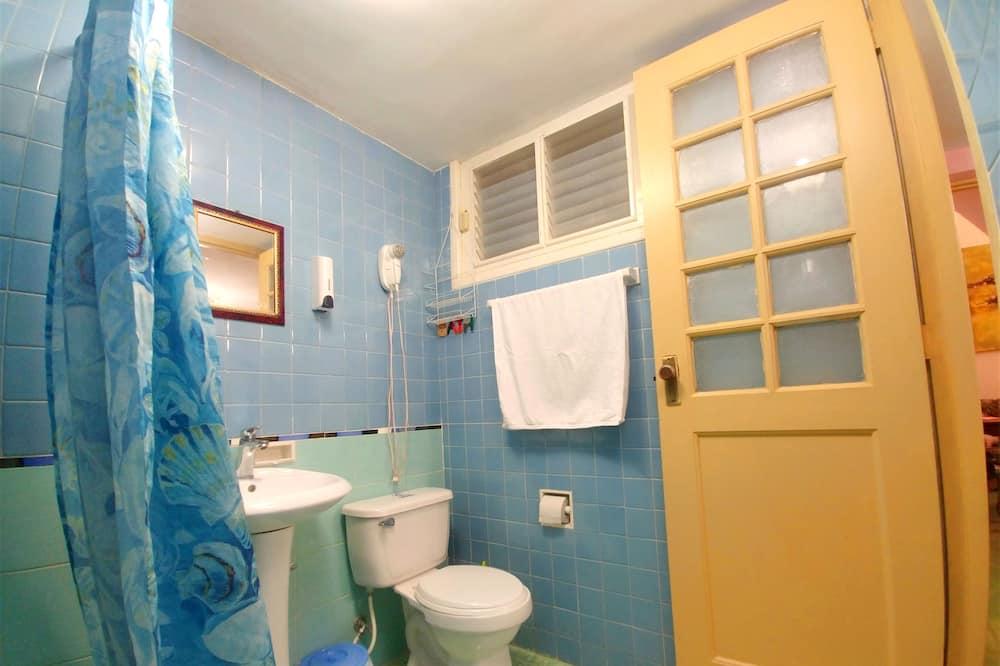 스탠다드 아파트, 침실 2개 - 욕실