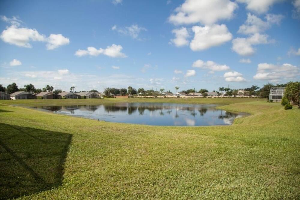 Rodinná vila, súkromný bazén, s výhľadom do záhrady - Vybraná fotografia