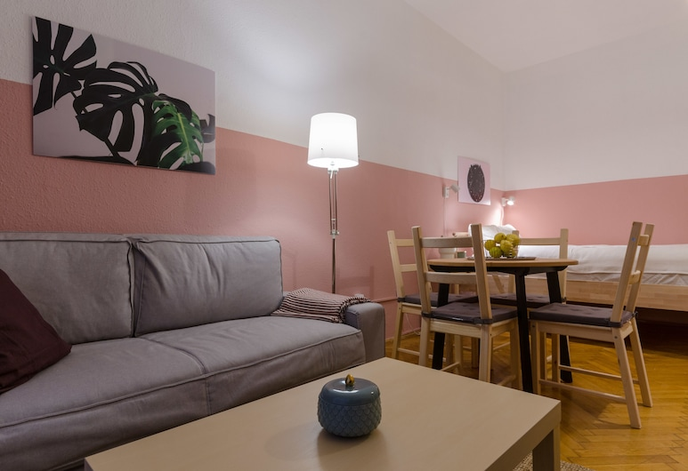 Okra Apartment, Budapest, Comfort Apartment, Balcony, Courtyard View, Living Area