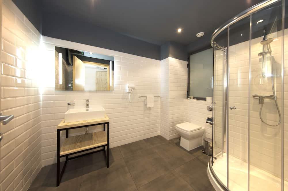 Comfort-Doppelzimmer zur Einzelnutzung - Badezimmerausstattung