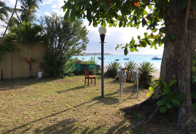 House With 3 Bedrooms in Trou-aux-biches, With Furnished Garden and Wifi - 50 m From the Beach, Trou aux Biches, Hotelgelände