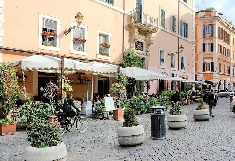Trastevere Luxury Design Apartment, Rome, Property Grounds
