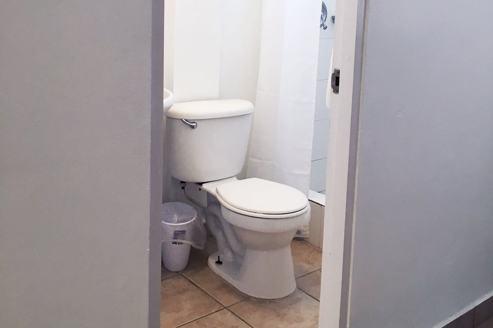 Апартаменти, 1 ліжко «квін-сайз» та розкладний диван - Ванна кімната