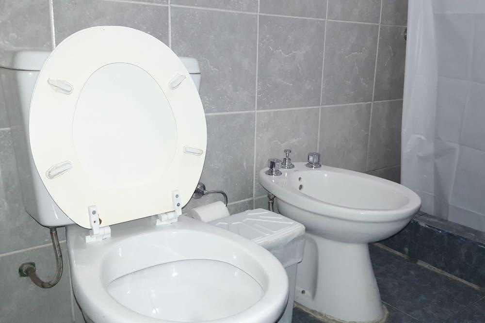 Sovsal - sovsal (män och kvinnor) - delat badrum - Badrum