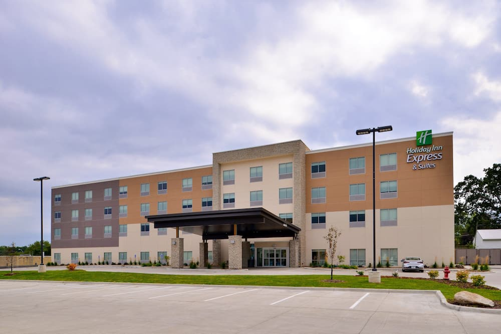 Holiday Inn Express And Suites Ottumwa, an IHG Hotel