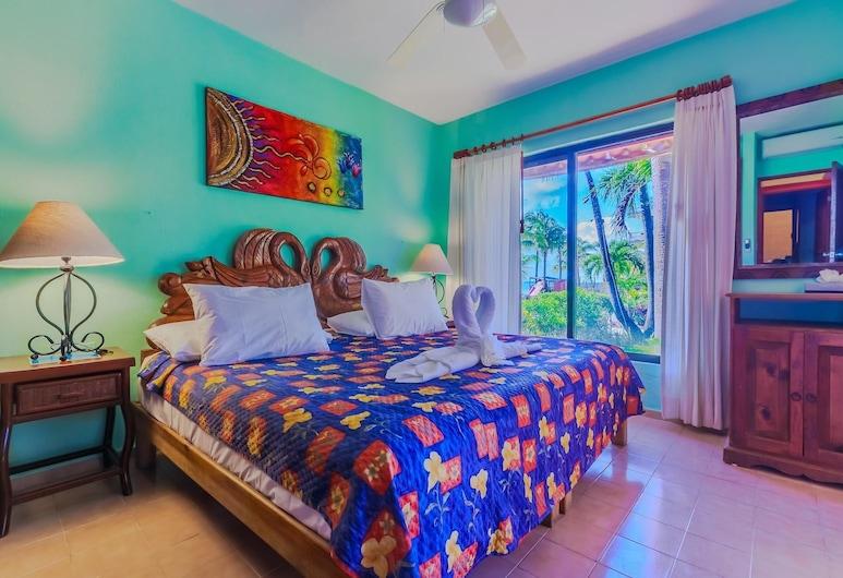 Garden View Two Bedroom Suite at Nautibeach!, Isla Mujeres, Korter, Tuba