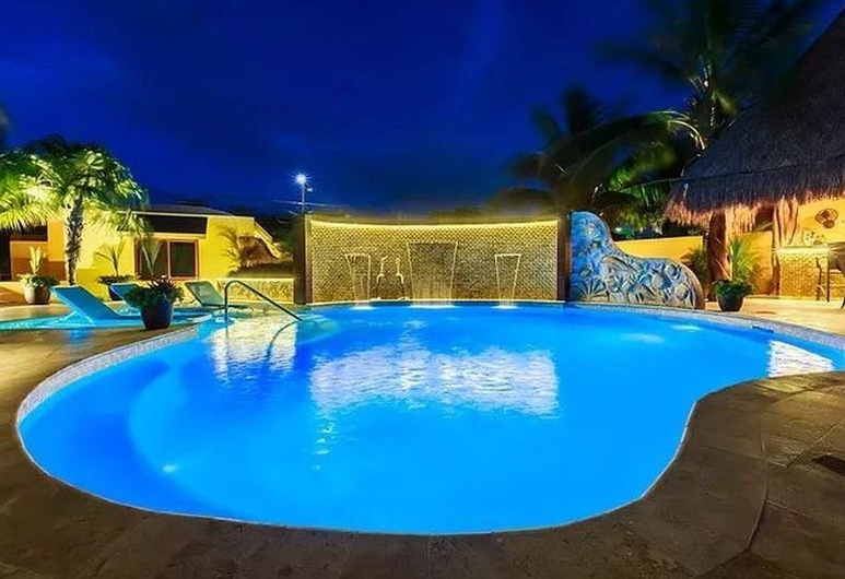 Isla Retreats - Entire Resort, Isla Mujeres, Villa, Pool