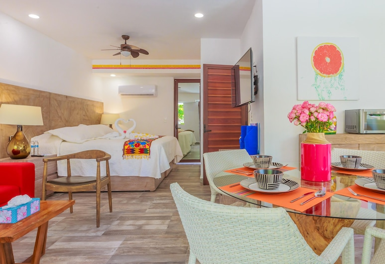 Comfortable Suite at Paradise Suites. Ideal Location, Steps From Playa Norte!, Isla Mujeres, Værelse, Værelse