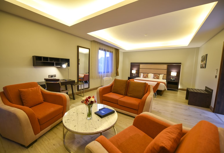 Best Western Plus The Athena Hotel, Kampala, Executive suite, Woonkamer