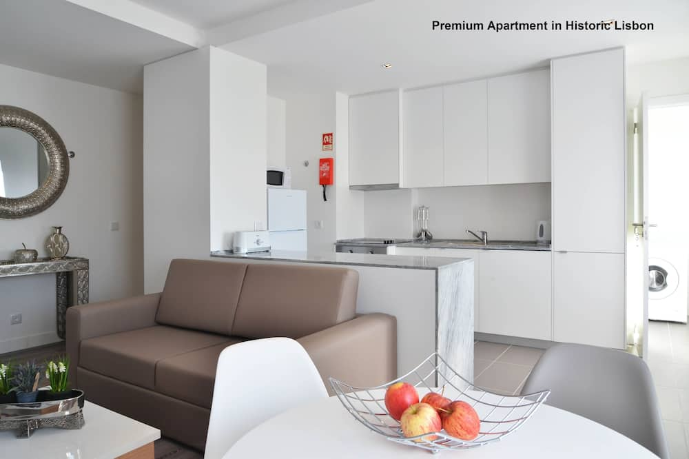 Deluxe Apartment, 2 Bedrooms (8.3.2) - Living Area